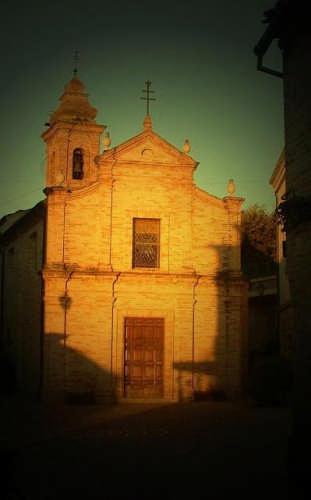 Ortezzano, le luci dell'alba, Chiesa di s. Maria del Soccorso XVI-XVIII sec (1803 clic)
