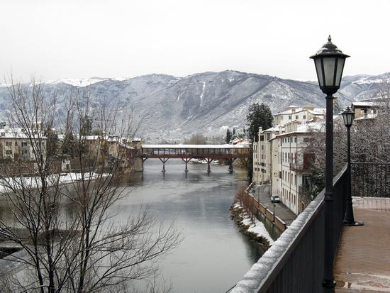 Bassano e la neve 2 - Bassano del grappa (4663 clic)