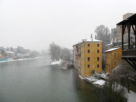 Bassano e la neve 3 - Bassano del grappa (3739 clic)