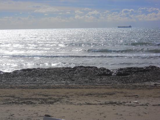 un tratto di mare in controluce.. - Marina di modica (3072 clic)