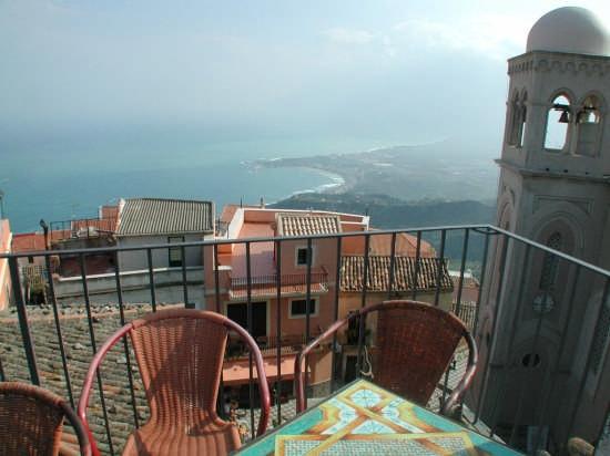 Castelmola, dalla terrazza (4982 clic)