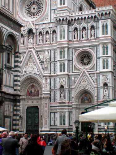 Firenze, scorcio facciata di S. maria del Fiore (2441 clic)