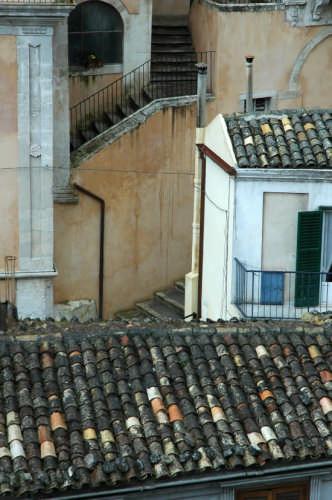 Palazzo De Leva: scorcio dopo la pioggia - Modica (2822 clic)