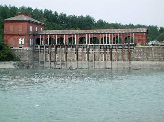 Saluggia: Opera di presa del canale Farini vista  dalla Dora Baltea (3260 clic)