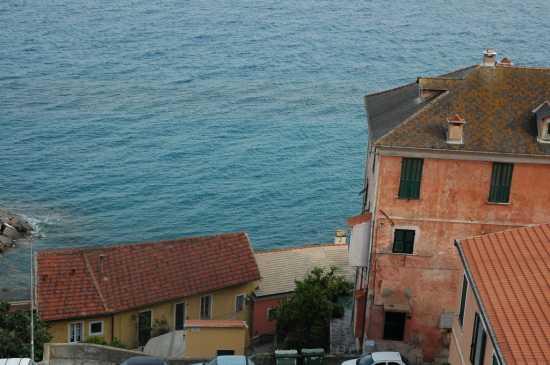 Cervo ligure: vista del mare dalla piazza (3738 clic)