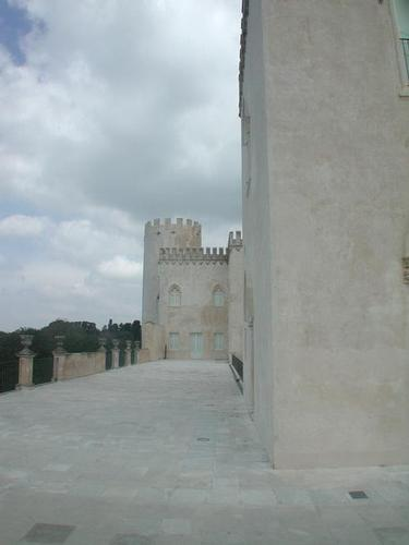 DonnaFugata:la terrazza del castello (3378 clic)