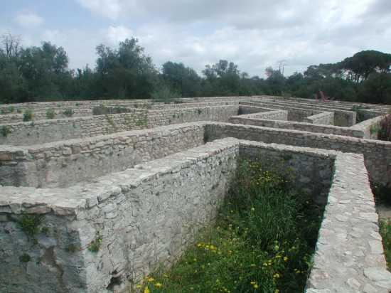 DonnaFugata:il labirinto di pietra del castello (6241 clic)