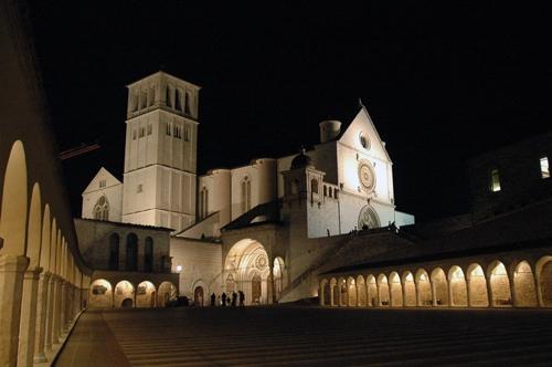 La Basilica - Assisi (5937 clic)