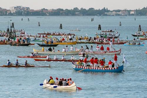 La Voga Longa - Equipaggi in partenza - Venezia (4163 clic)