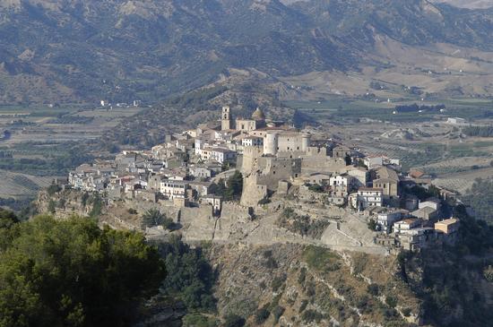 La Nave di Pietra - Santa severina (2749 clic)