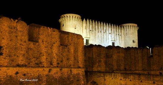 Il castello - Santa severina (1340 clic)