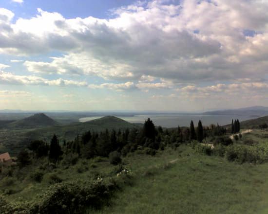 lago trasimeno dall'alto - Perugia (2673 clic)