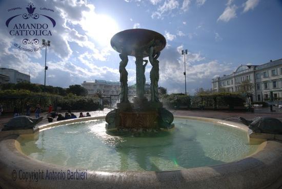 Cattolica piazza I Maggio fotografie del progetto  (2027 clic)