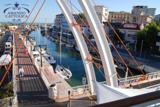 da PortoSantoCafe panorama sul porto canale Cattolica Gabicce foto  (2742 clic)
