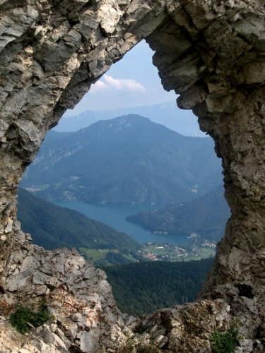 Una finestra sulla valle di Ledro - Bezzecca (3150 clic)