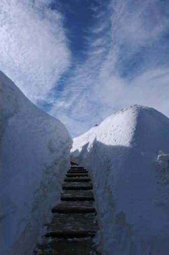 Trincea di neve a Tremalzo (3884 clic)