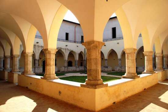 Chiostro di San Domenico - Fondi (3557 clic)