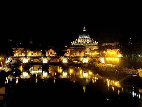 Il Tevere di notte - Roma (5141 clic)