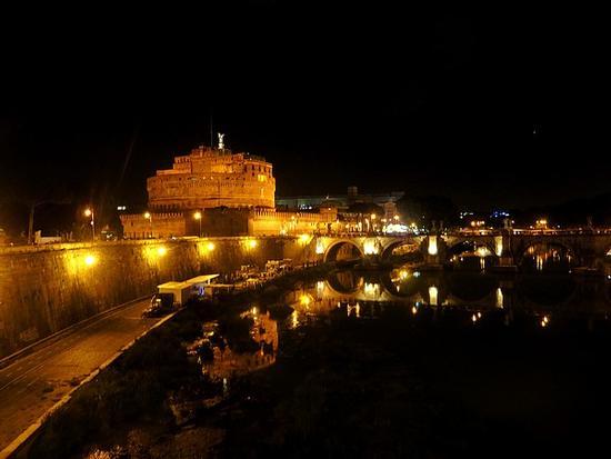 Notturno su Castel Sant Angelo - Roma (2031 clic)
