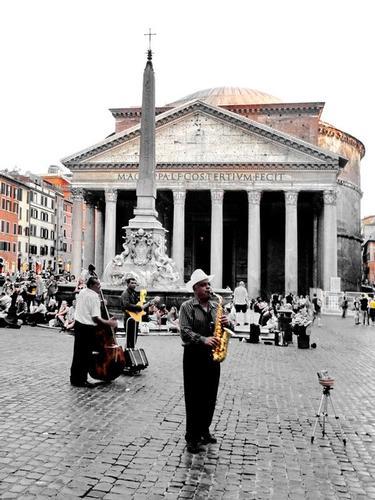 Musicisti al Phanteon - Roma (1824 clic)