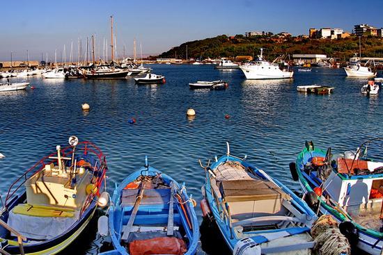 Barche al porticciolo - Gela (1026 clic)