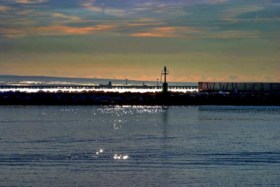 Alba sul litorale di Gela (251 clic)