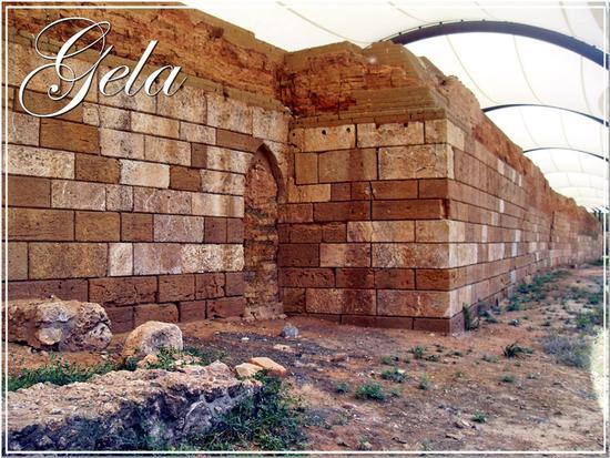 Le mura greche di Caposoprano - Gela (1251 clic)