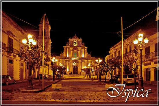 Notturno - La chiesa dell'Annunziata - Ispica (1050 clic)