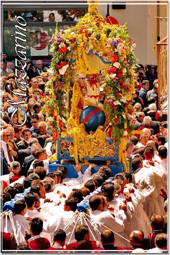 La festa del Signore dell'Olmo - Mazzarino (1553 clic)