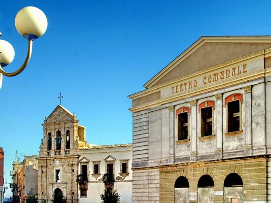 Piazza Salandra - Gela (1081 clic)