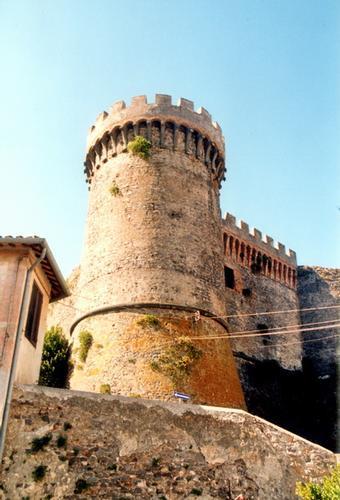 Una torre del Castello - Bracciano (1841 clic)