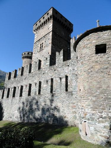 Le mura d'occidente del castello - Fenis (2440 clic)