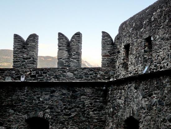 Merli del castello - Fenis (4895 clic)