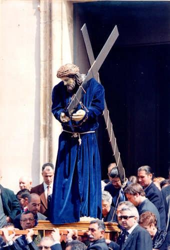 Il Cristo esce dalla Chiesa Madre - Gela (3661 clic)