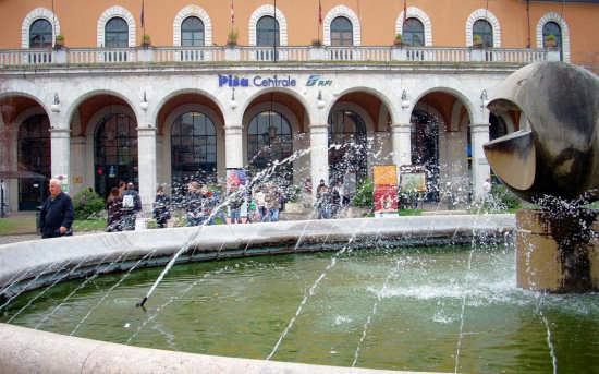 Stazione Centrale - PISA - inserita il 02-May-09
