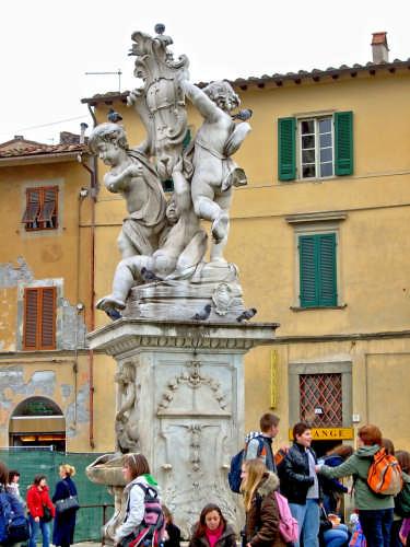 Piazza dei Miracoli - Particolare - Pisa (1645 clic)
