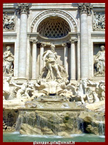 Particolare della fontana di Trevi - ROMA - inserita il 09-May-09