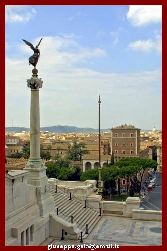 Dall'alto dell'Altare della Patria - Roma (2166 clic)