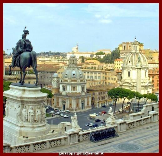 Dall'alto dell'Altare della Patria - Roma (2463 clic)