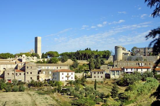 Panorama della citta - Tarquinia (3676 clic)