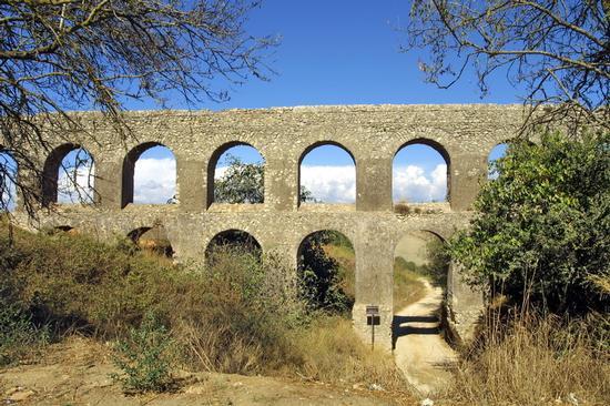 L'acquedotto romano - Tarquinia (4639 clic)