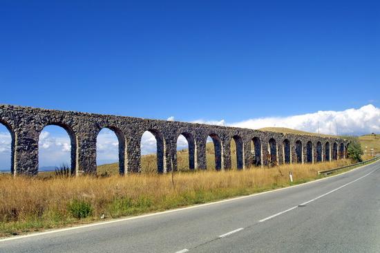 L'acquedotto romano - Tarquinia (7274 clic)