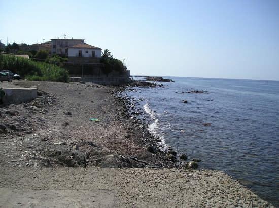 Acciaroli zona fiume - ACCIAROLI - inserita il 20-Apr-09
