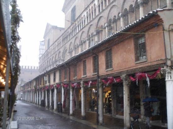 Piazza Trento Trieste Natale - Ferrara (3912 clic)