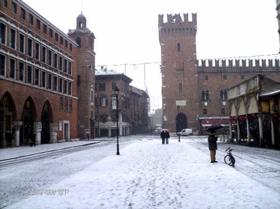 Piazza Trento Trieste  - Ferrara (5521 clic)