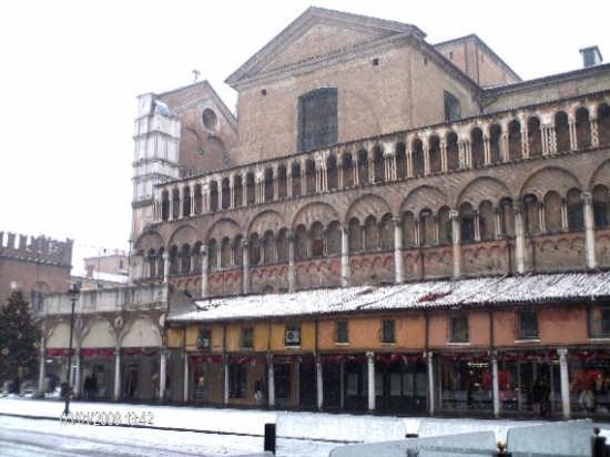 Piazza Trento Trieste  - Ferrara (2895 clic)