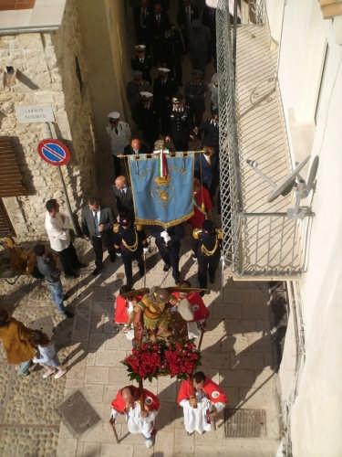 San Michele durante la processione di Santa Maria 2009 - Vieste (3036 clic)