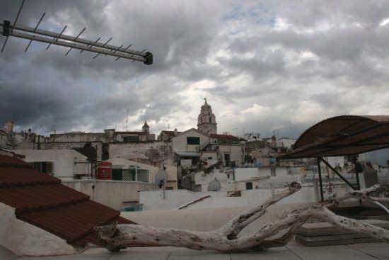 Vista della cattedrale dai terrazzi sottostanti - Vieste (2783 clic)