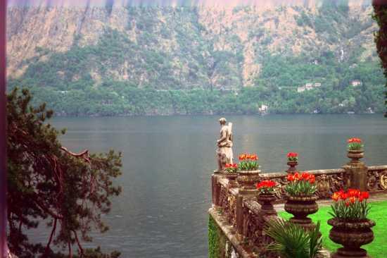 Villa del Balbianello(BENE FAI) vista sul lago - Lenno (2378 clic)