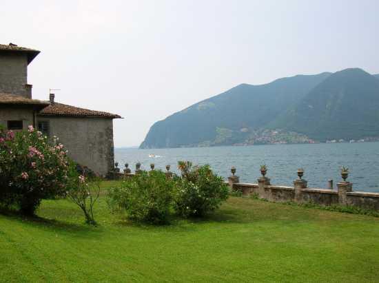 Giardino sul Lago - Monte isola (3060 clic)
